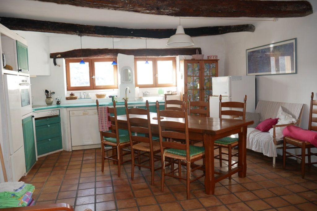 Maison à vendre 4 100m2 à Bauduen vignette-4