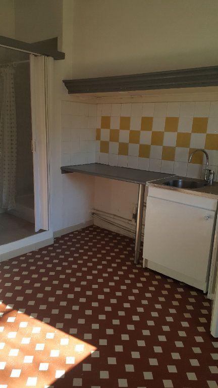 Appartement à louer 2 31.65m2 à Salernes vignette-2