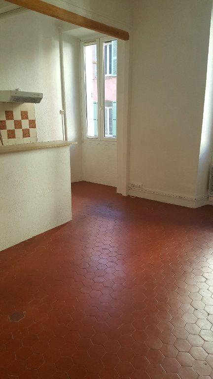 Appartement à louer 2 30.65m2 à Salernes vignette-1
