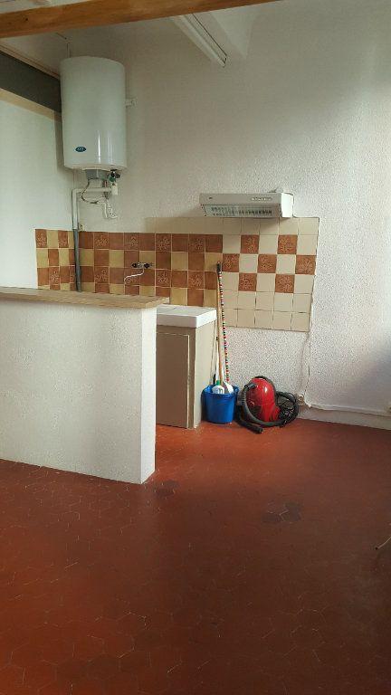 Appartement à louer 2 30.65m2 à Salernes vignette-3
