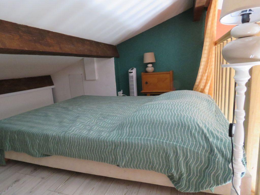 Appartement à vendre 1 25.2m2 à Sainte-Croix-du-Verdon vignette-3