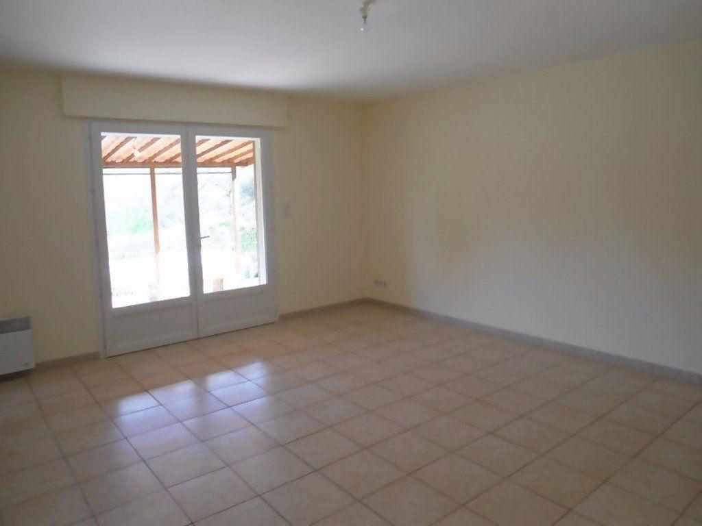 Appartement à louer 4 80m2 à Allemagne-en-Provence vignette-4