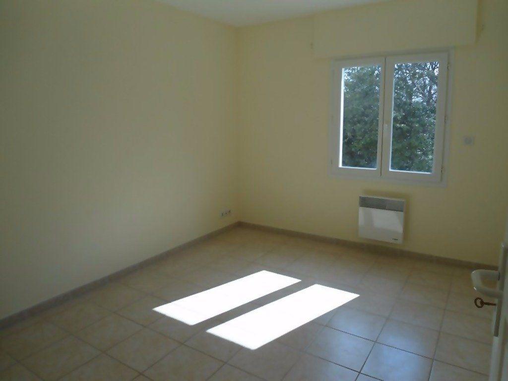 Appartement à louer 4 80m2 à Allemagne-en-Provence vignette-8
