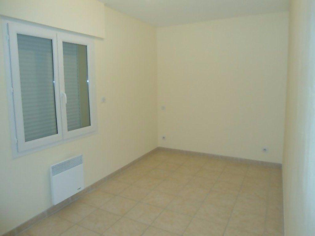 Appartement à louer 4 80m2 à Allemagne-en-Provence vignette-11