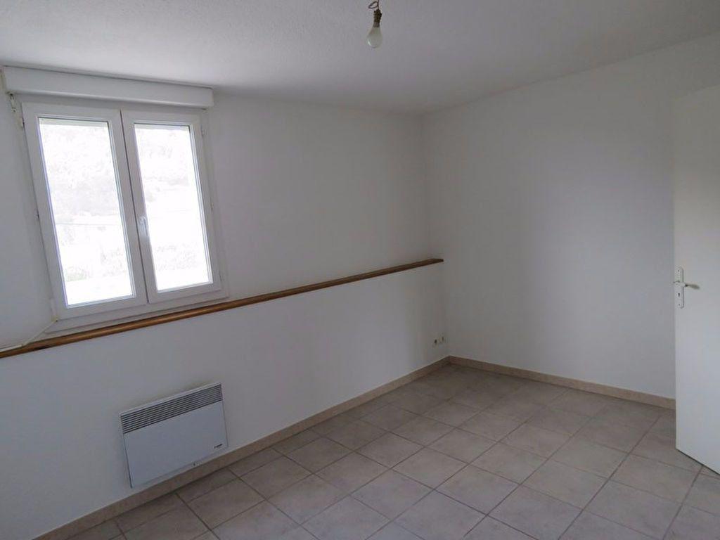 Appartement à louer 3 64m2 à Riez vignette-5
