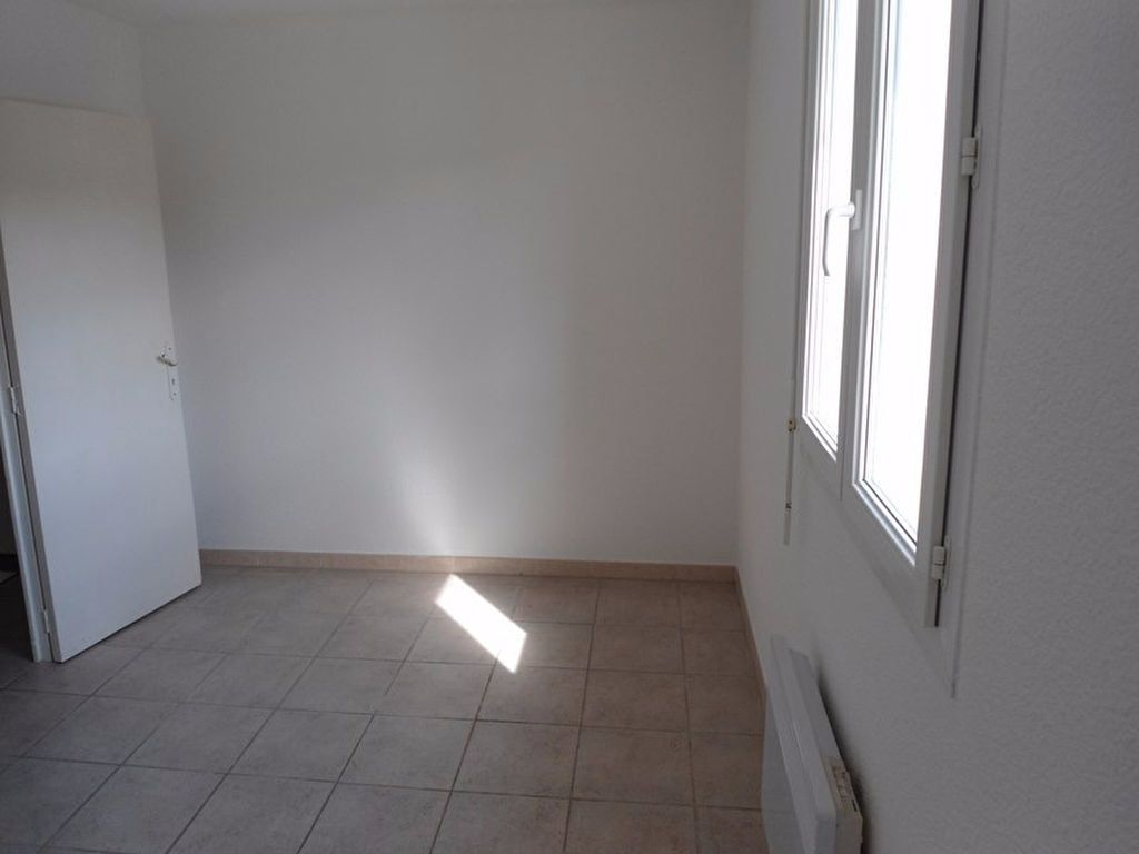 Appartement à louer 3 64m2 à Riez vignette-7