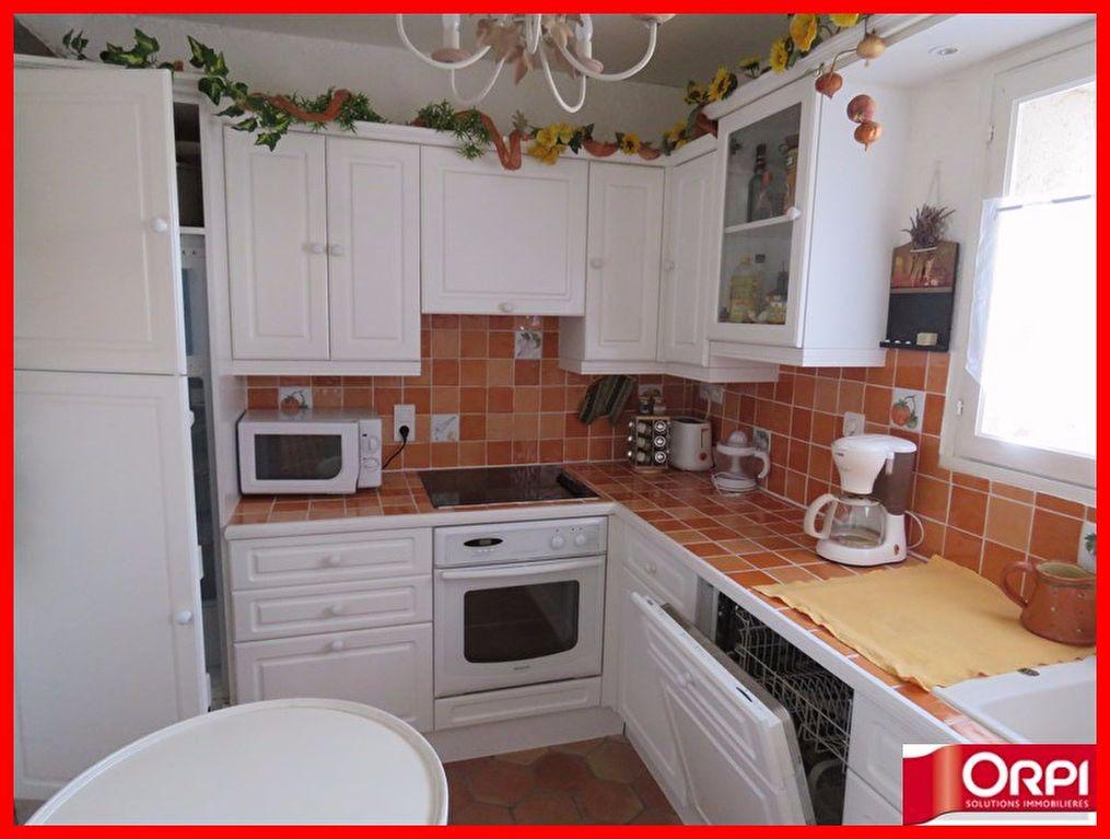 Appartement à vendre 3 56m2 à Sainte-Croix-du-Verdon vignette-3