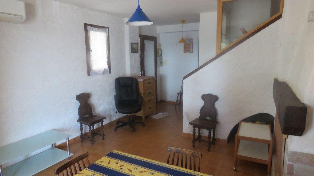 Appartement à vendre 3 61m2 à Sainte-Croix-du-Verdon vignette-4