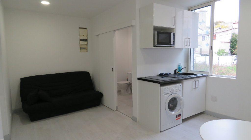 Appartement à louer 1 20.18m2 à Riez vignette-1