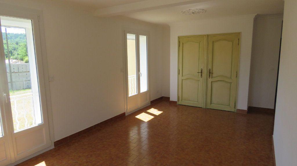 Appartement à louer 4 75.77m2 à Riez vignette-2