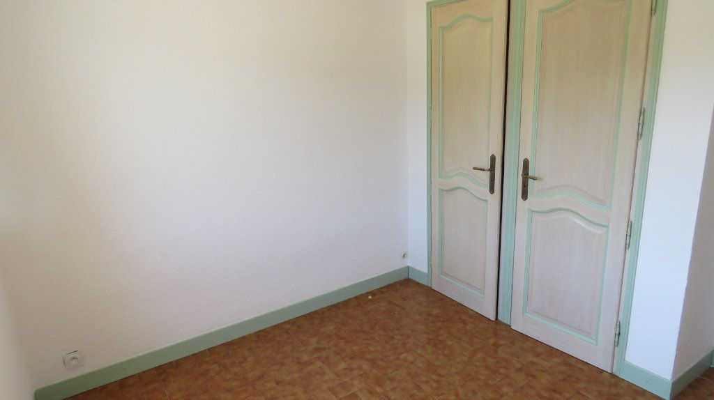 Appartement à louer 4 75.77m2 à Riez vignette-5