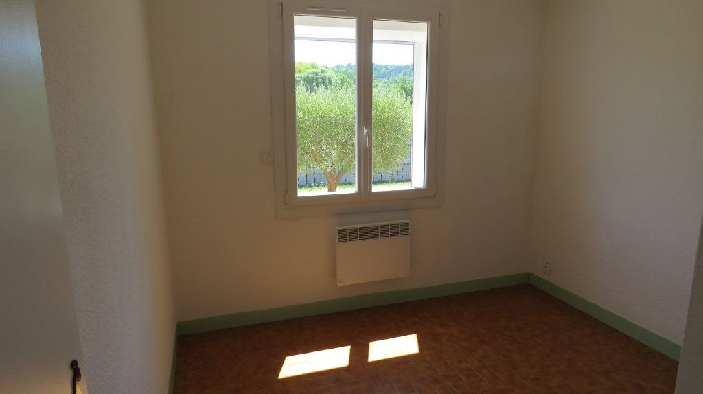 Appartement à louer 4 75.77m2 à Riez vignette-6