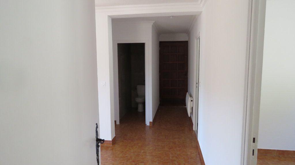 Appartement à louer 4 75.77m2 à Riez vignette-8