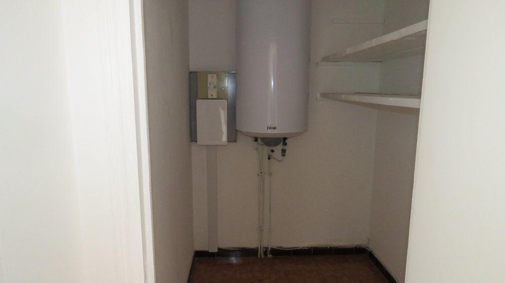 Appartement à louer 4 75.77m2 à Riez vignette-9