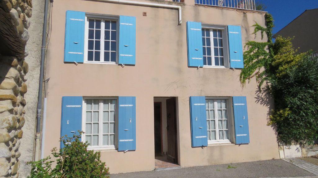 Appartement à louer 3 108m2 à Sainte-Croix-du-Verdon vignette-1