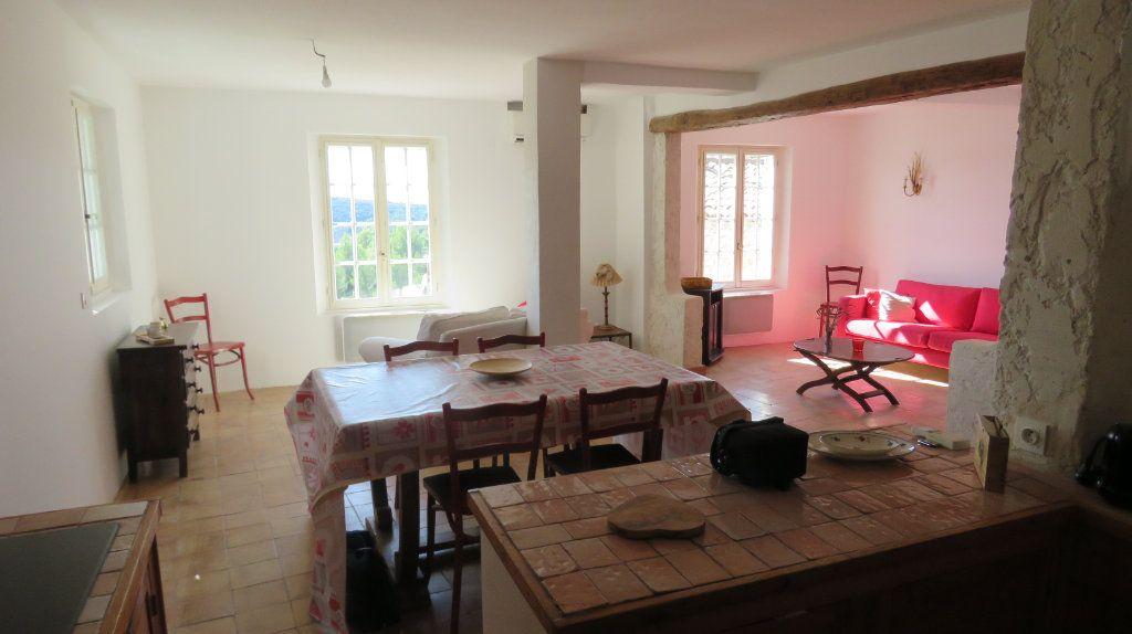 Appartement à louer 3 108m2 à Sainte-Croix-du-Verdon vignette-2