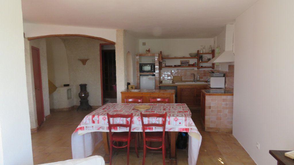 Appartement à louer 3 108m2 à Sainte-Croix-du-Verdon vignette-6