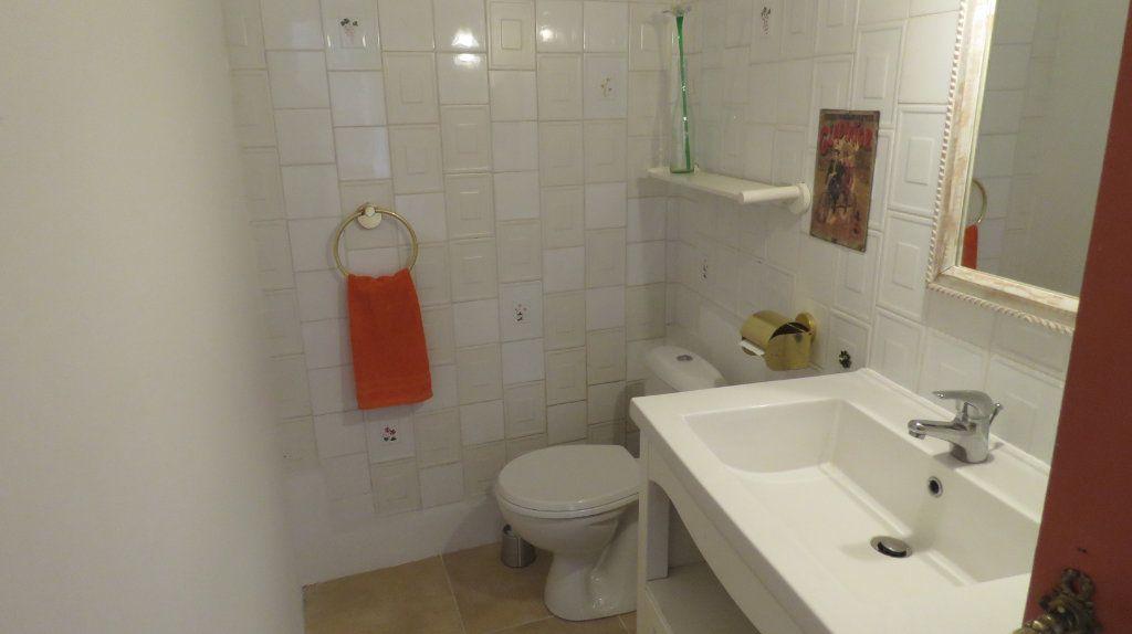 Appartement à louer 3 108m2 à Sainte-Croix-du-Verdon vignette-10