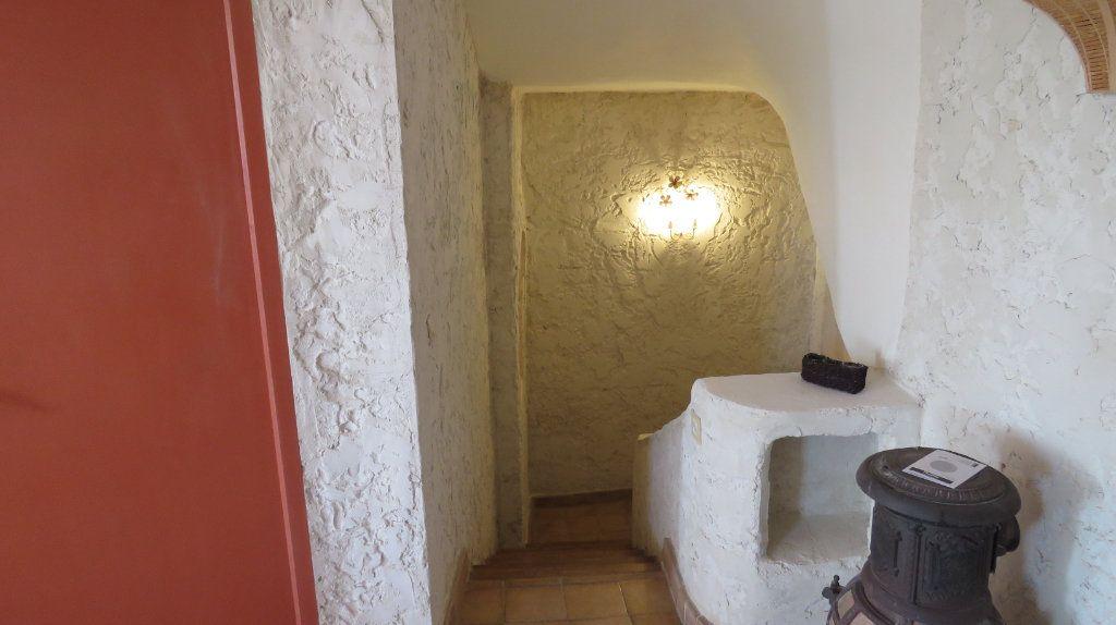 Appartement à louer 3 108m2 à Sainte-Croix-du-Verdon vignette-11