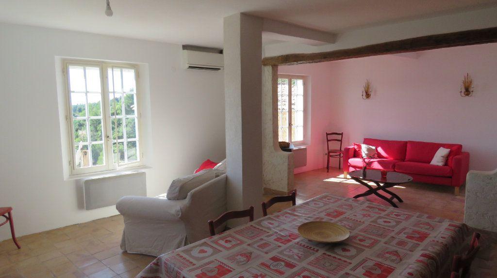 Appartement à louer 3 108m2 à Sainte-Croix-du-Verdon vignette-12