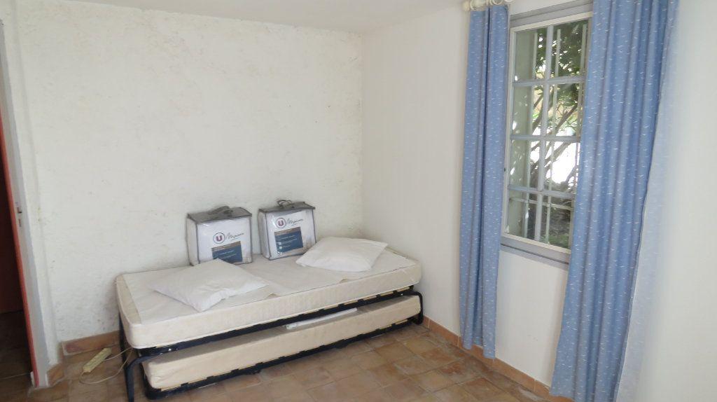Appartement à louer 3 108m2 à Sainte-Croix-du-Verdon vignette-13