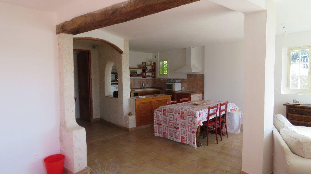 Appartement à louer 3 108m2 à Sainte-Croix-du-Verdon vignette-14