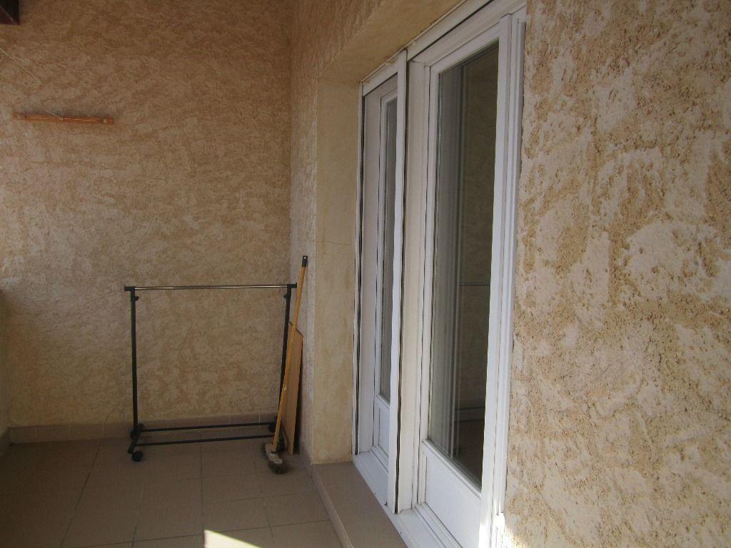 Appartement à louer 3 47m2 à Peipin vignette-5
