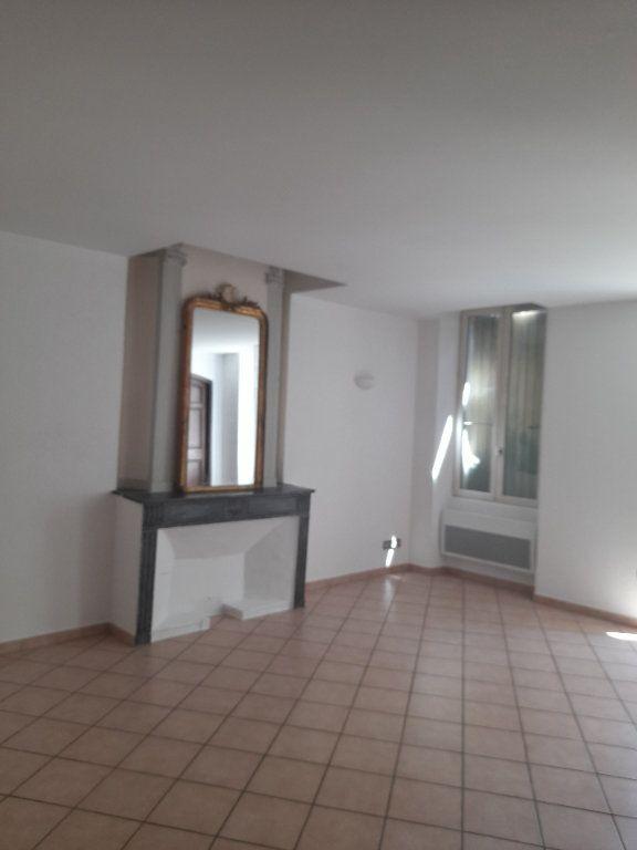 Appartement à louer 3 59m2 à Sisteron vignette-1