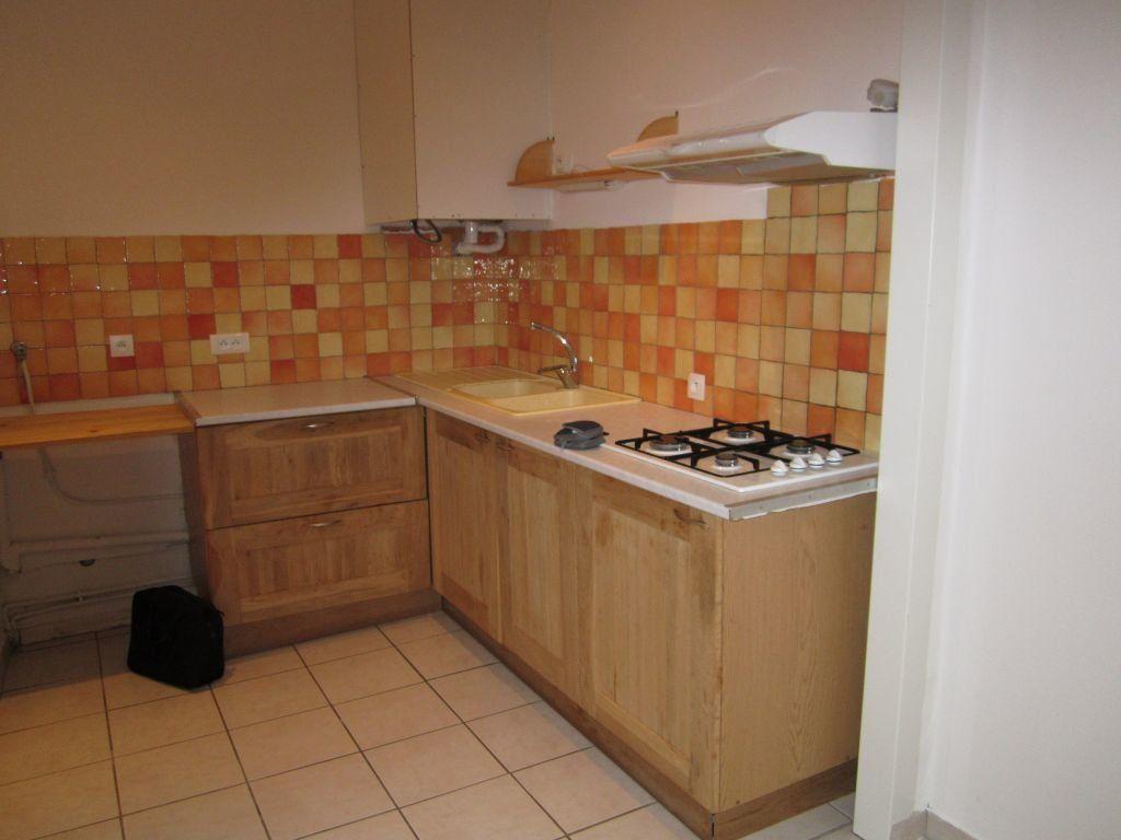Appartement à louer 2 49m2 à Sisteron vignette-2