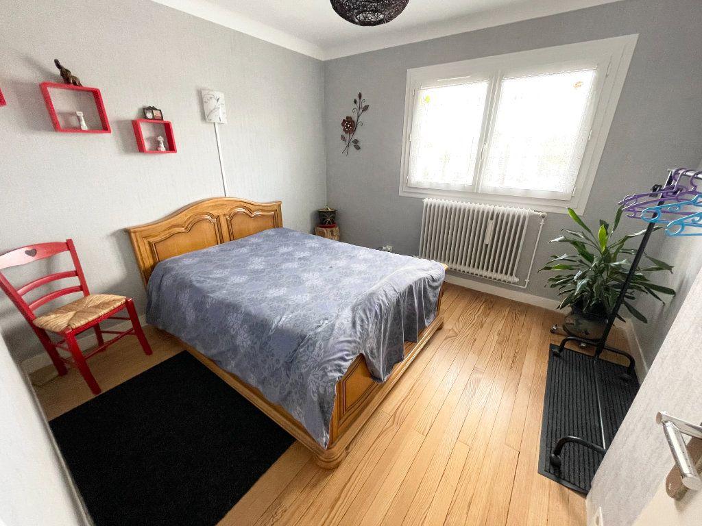 Maison à vendre 5 159.88m2 à Herbignac vignette-11