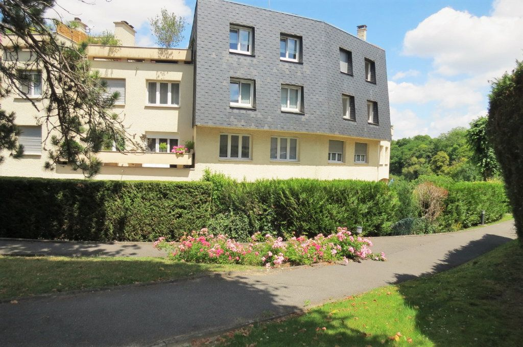 Appartement à vendre 6 115.37m2 à Vaujours vignette-1