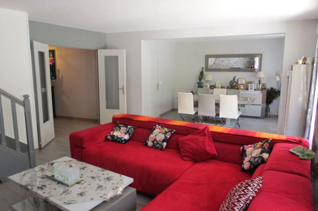 Appartement à vendre 6 115.37m2 à Vaujours vignette-4