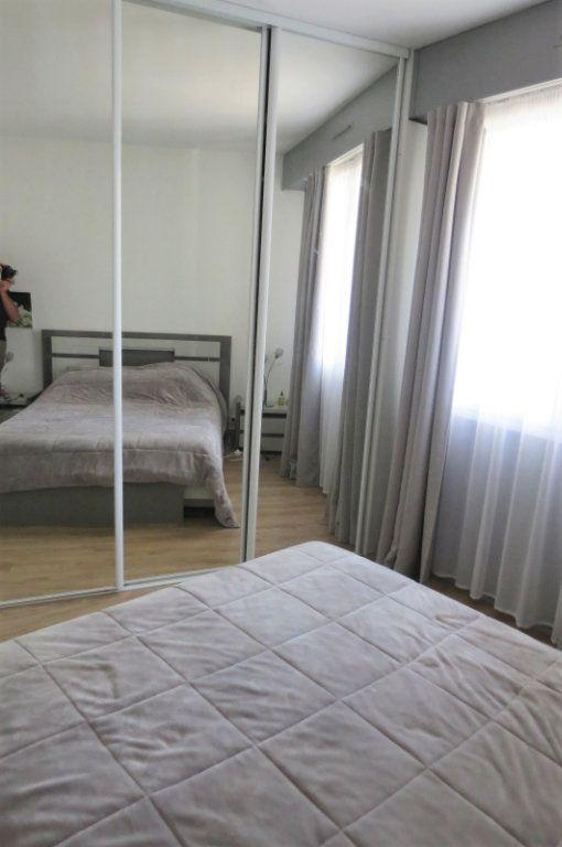 Appartement à vendre 6 115.37m2 à Vaujours vignette-11