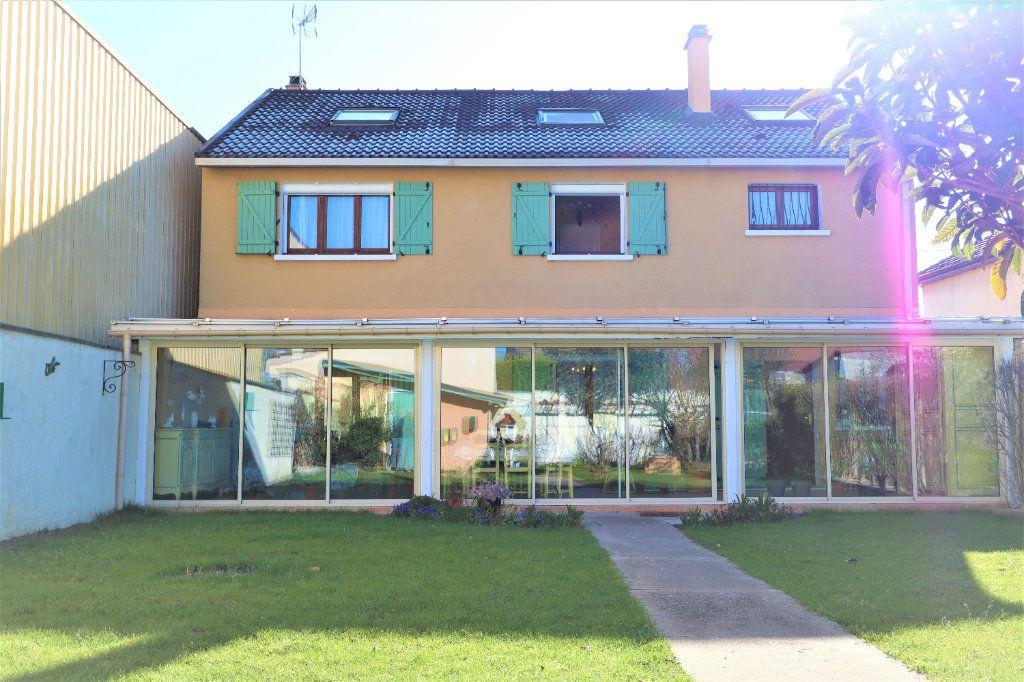 Maison à vendre 7 204m2 à Vaujours vignette-2