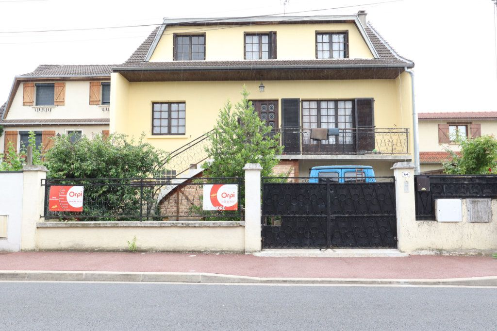 Maison à vendre 7 147m2 à Tremblay-en-France vignette-1