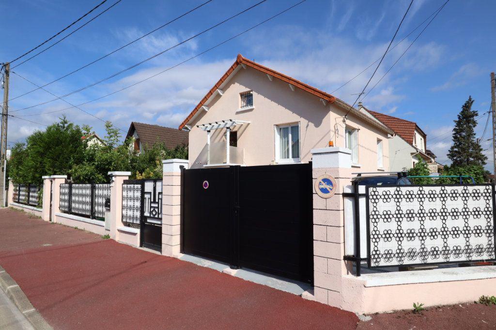 Maison à vendre 5 91.12m2 à Tremblay-en-France vignette-1