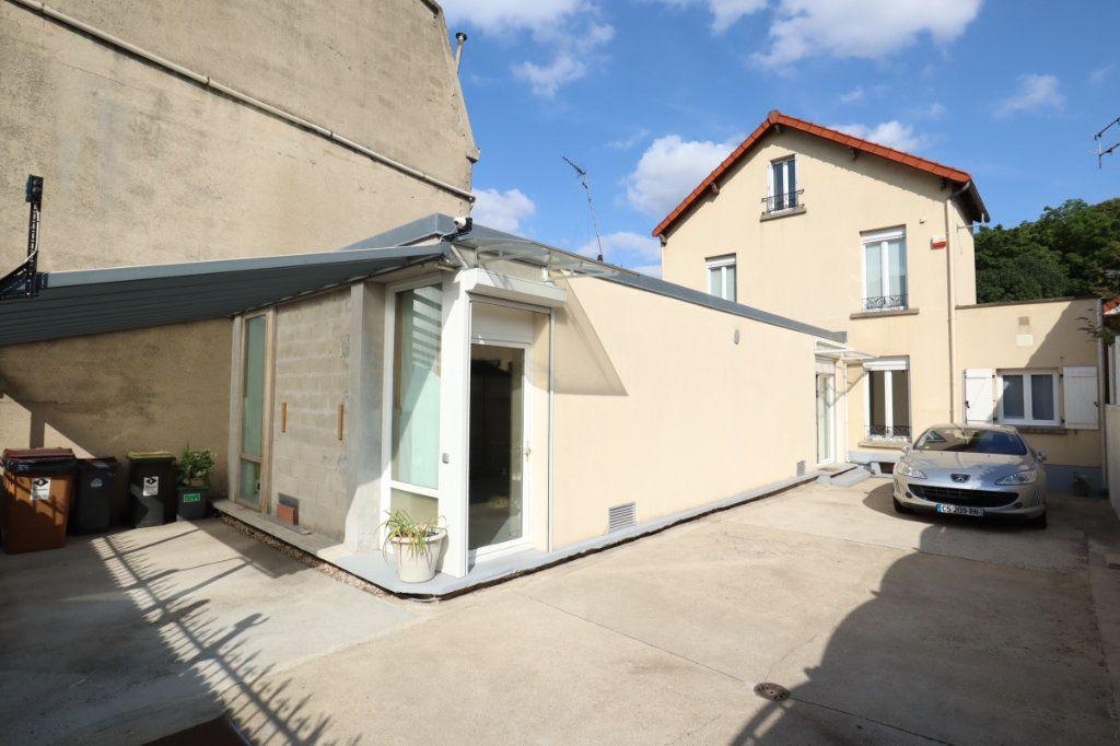 Maison à vendre 6 113.44m2 à Romainville vignette-1