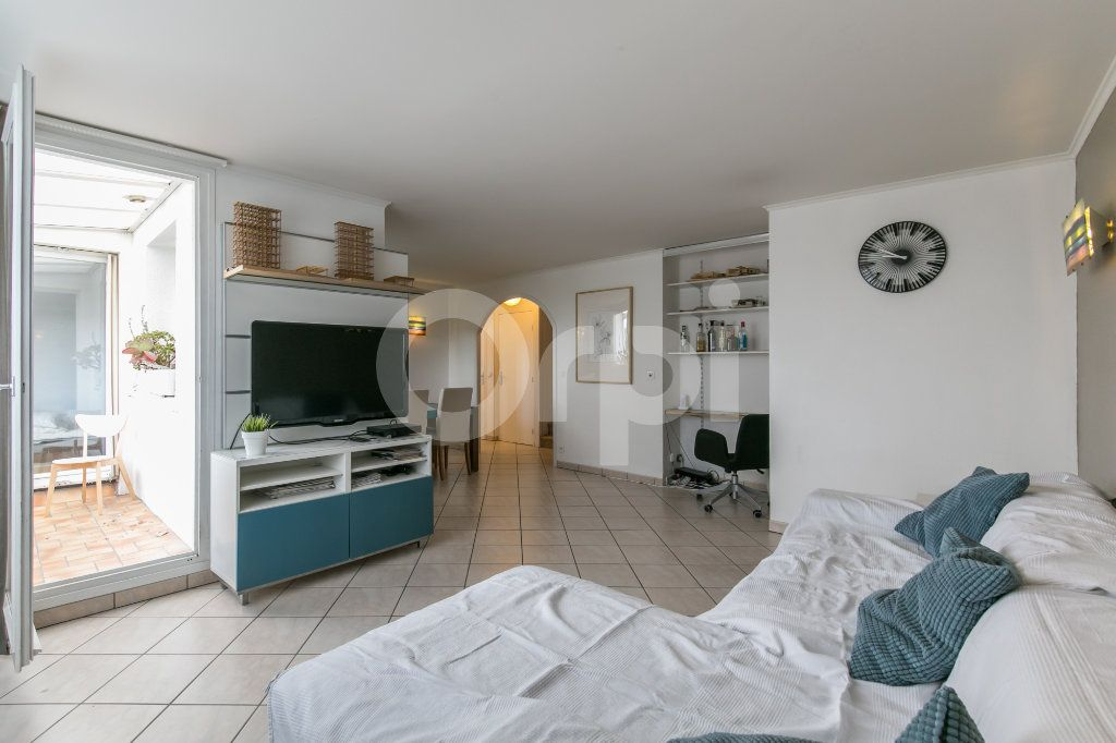 Appartement à vendre 5 114m2 à Champs-sur-Marne vignette-1