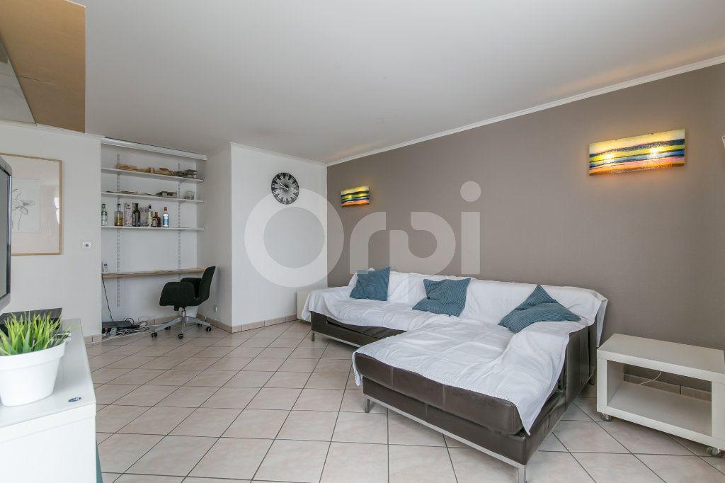 Appartement à vendre 5 114m2 à Champs-sur-Marne vignette-2