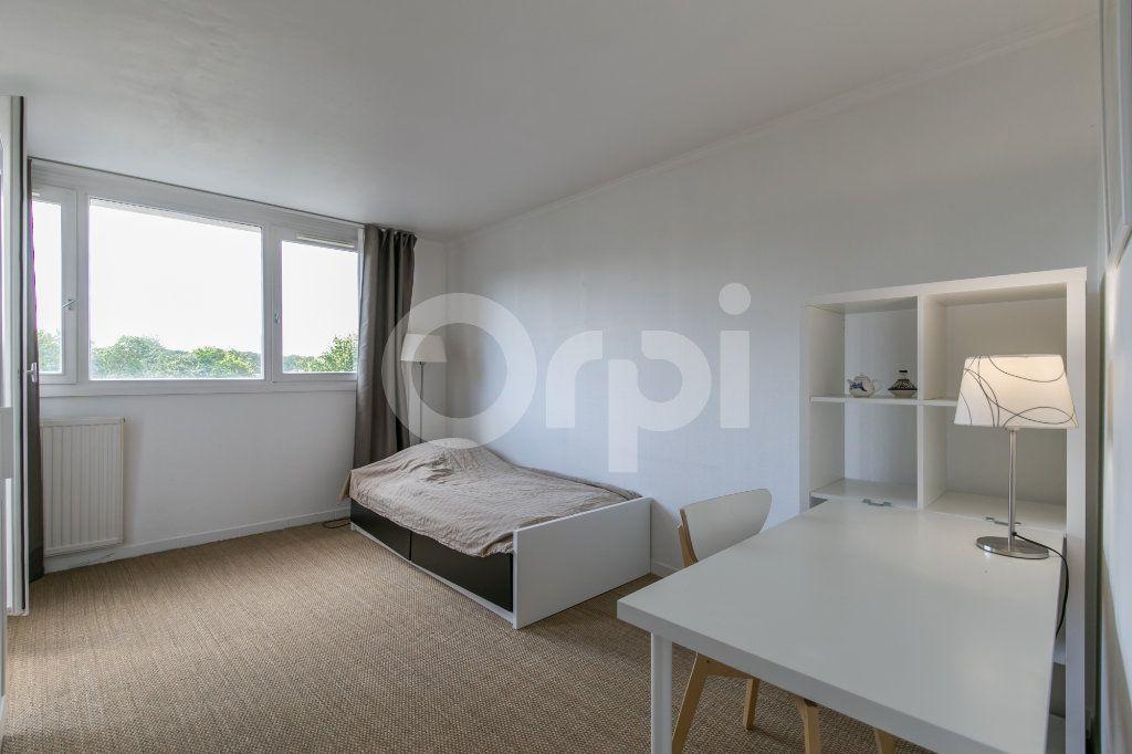 Appartement à vendre 5 114m2 à Champs-sur-Marne vignette-7