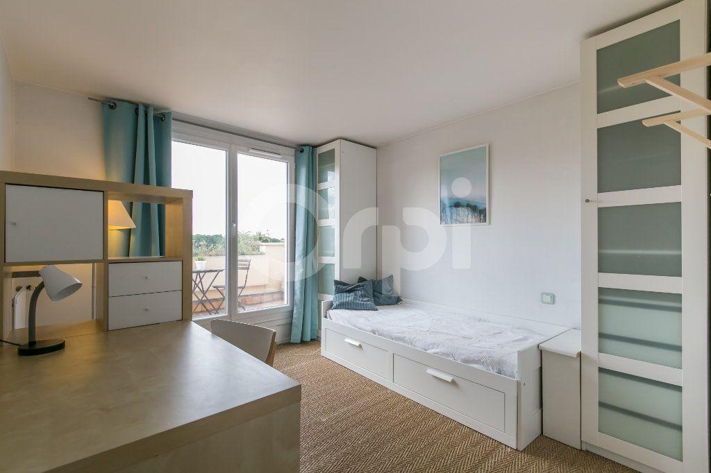 Appartement à vendre 5 114m2 à Champs-sur-Marne vignette-9