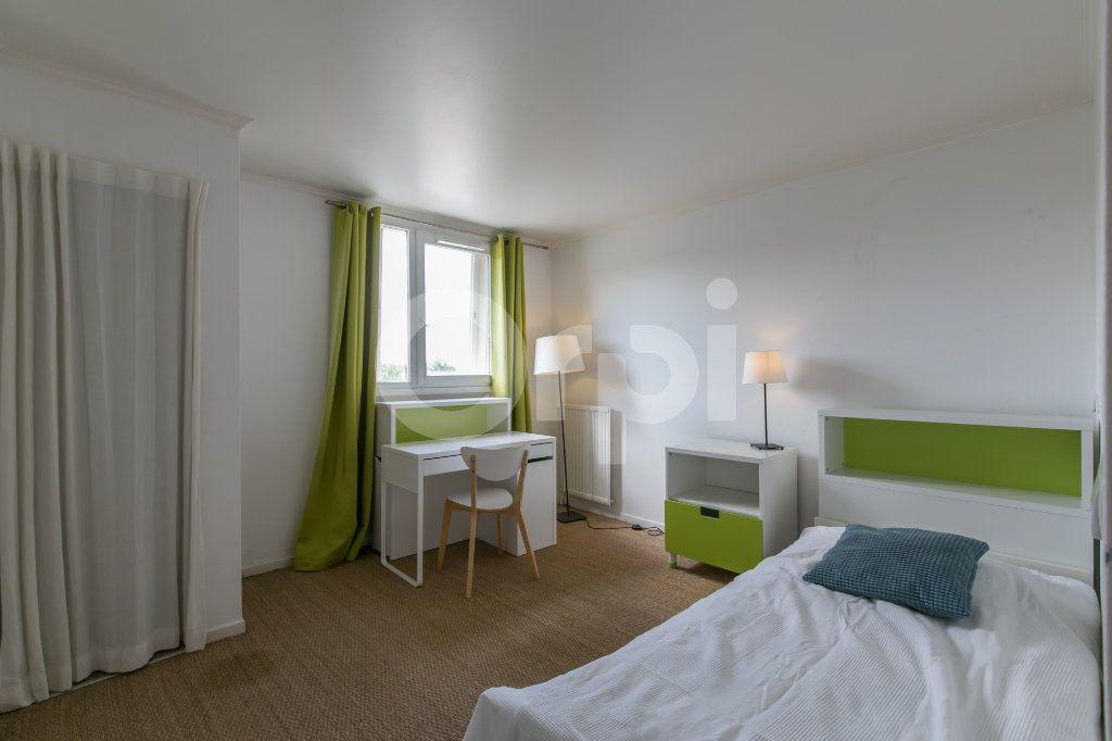 Appartement à vendre 5 114m2 à Champs-sur-Marne vignette-10