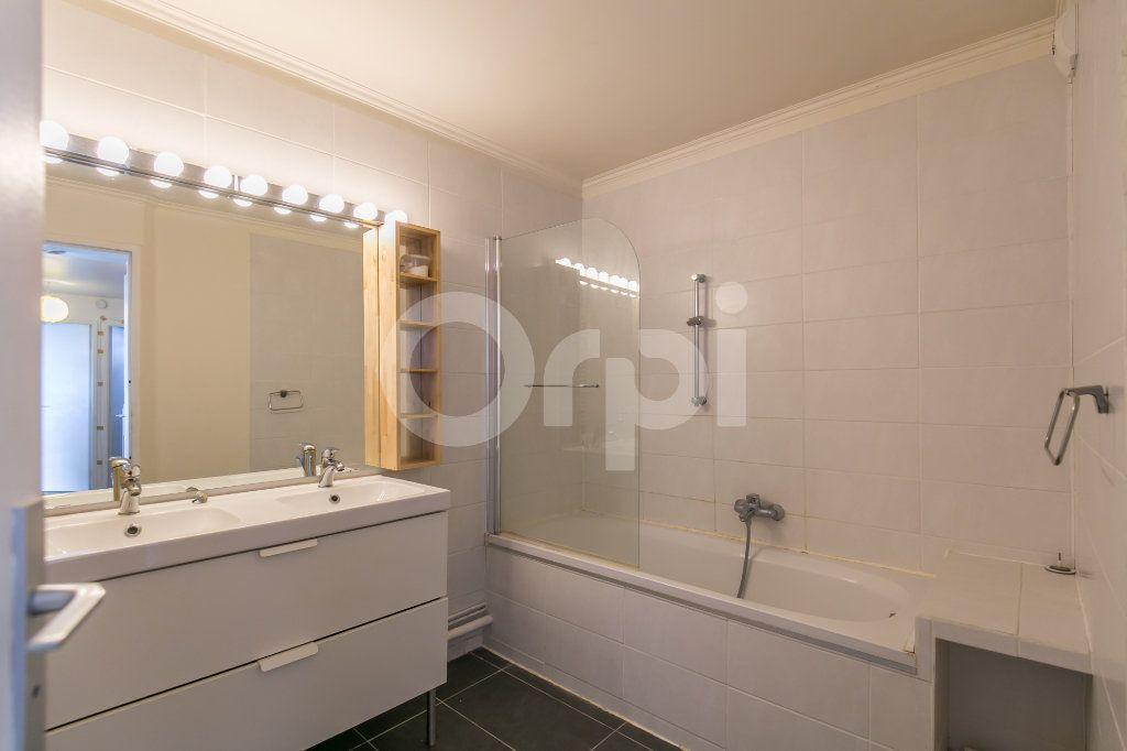Appartement à vendre 5 114m2 à Champs-sur-Marne vignette-11