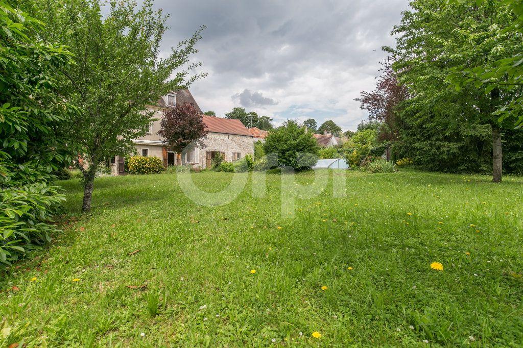 Maison à vendre 10 254m2 à Croissy-Beaubourg vignette-3
