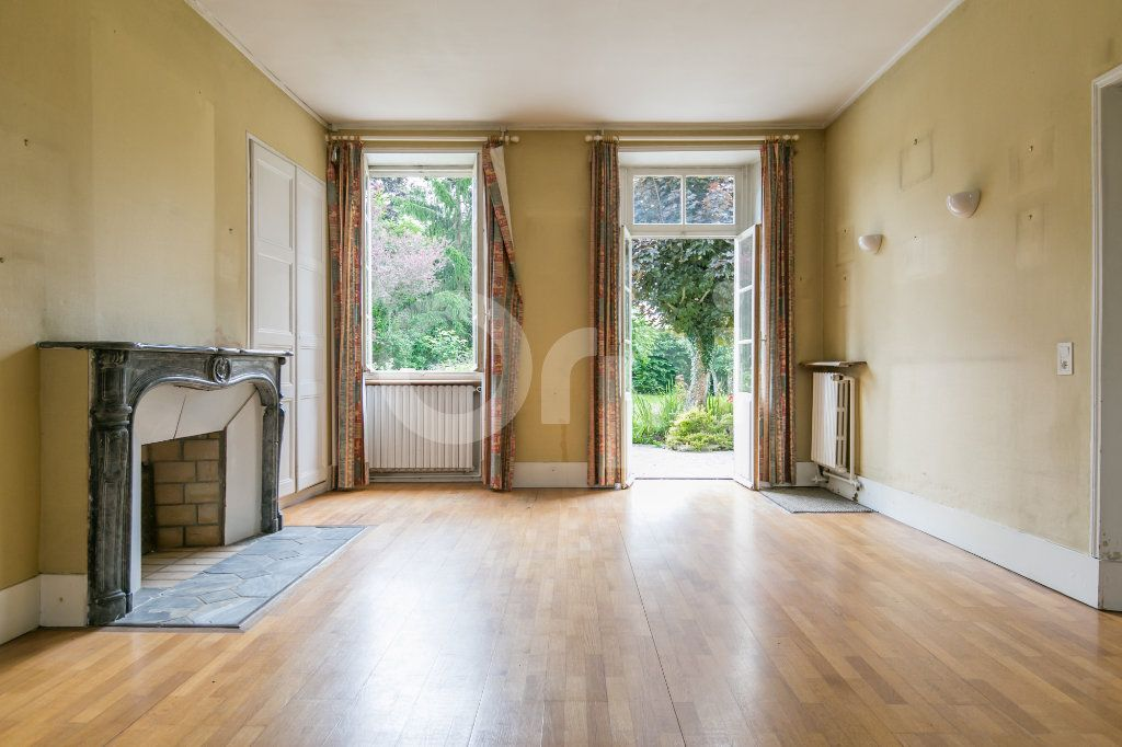 Maison à vendre 10 254m2 à Croissy-Beaubourg vignette-8