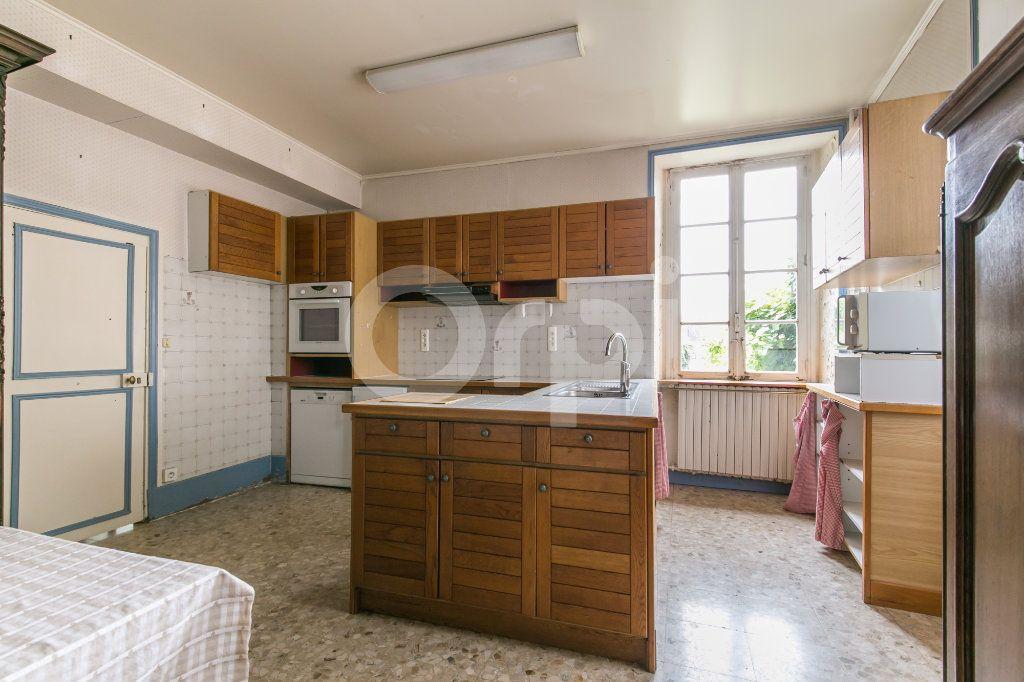 Maison à vendre 10 254m2 à Croissy-Beaubourg vignette-9