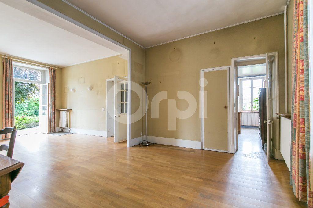 Maison à vendre 10 254m2 à Croissy-Beaubourg vignette-10