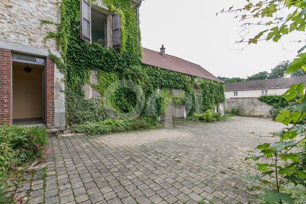 Maison à vendre 10 254m2 à Croissy-Beaubourg vignette-16