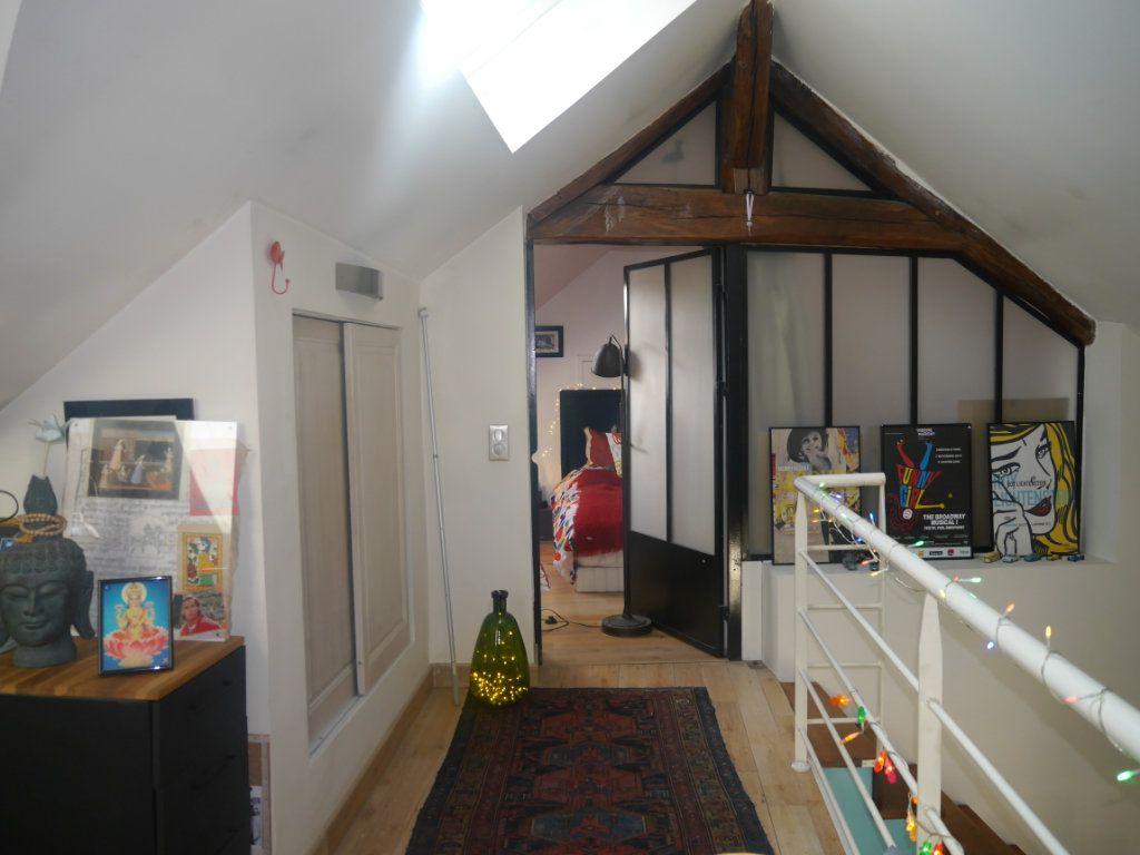 Appartement à vendre 4 120.5m2 à Lagny-sur-Marne vignette-2