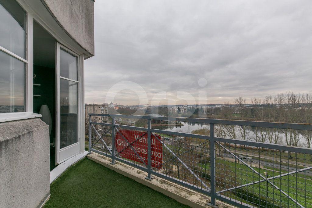 Appartement à vendre 3 63m2 à Torcy vignette-2